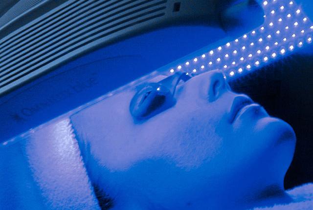 タカミ式LED治療(青色・415nm)