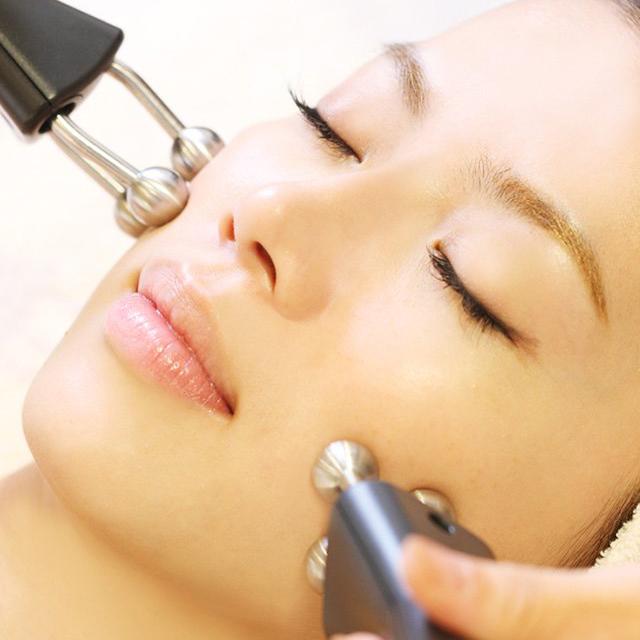 タカミ式顔筋リフト(医療用EMS)