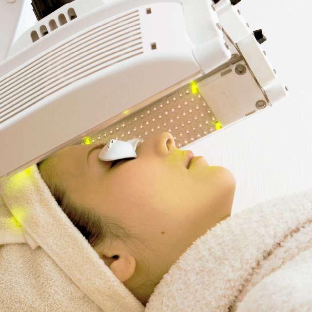 タカミ式LED治療(白色・830nm)